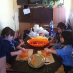 lavare e sbucciare le carotine dolci